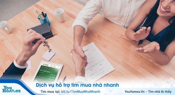 Trước khi ký hợp đồng vay mua nhà, bạn nên đọc các điều khoản hợp đồng.