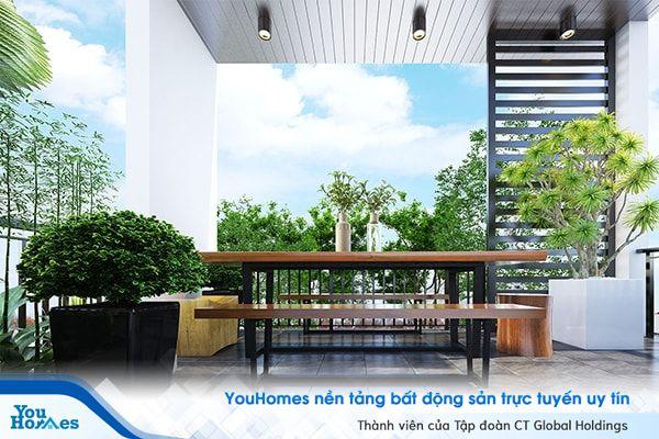 Những gam màu xanh của cây lá giúp khu vực sân thượng nhà phố hiện đại trở nên đầy sức sống.