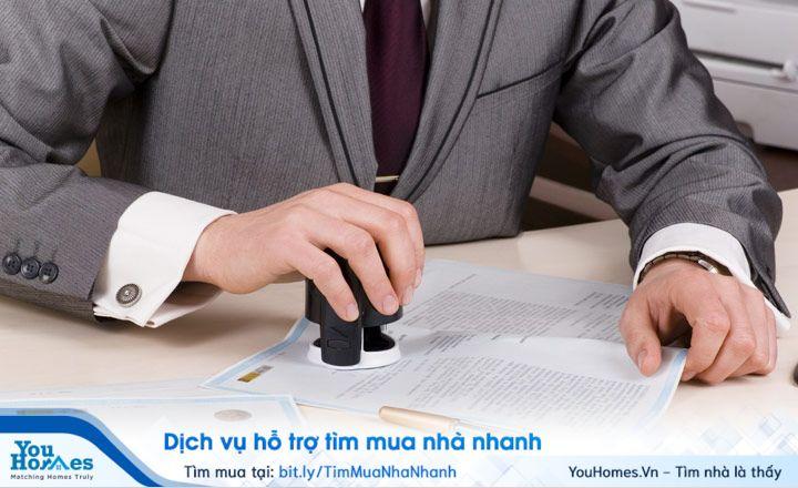 Bạn phải kiểm tra, xác minh toàn bộ giấy tờ, thủ tục để tránh những rủi ro đáng tiếc