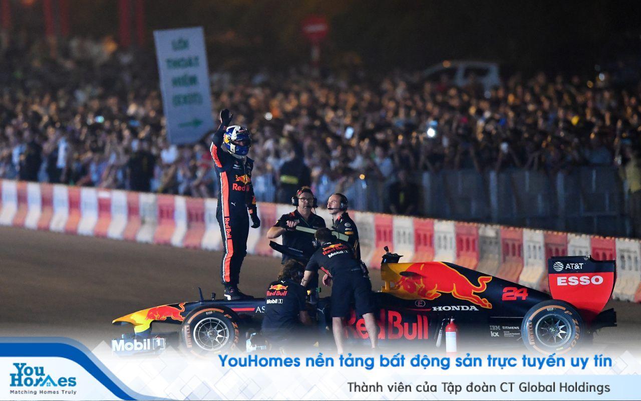 Dành riêng cho thành viên YouHomers: Tận hưởng không khí sôi động của Giải đua F1 Gra...